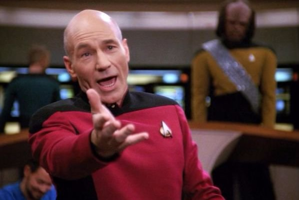 Star-Trek-Menage-a-Troi-Captain-Picard-P