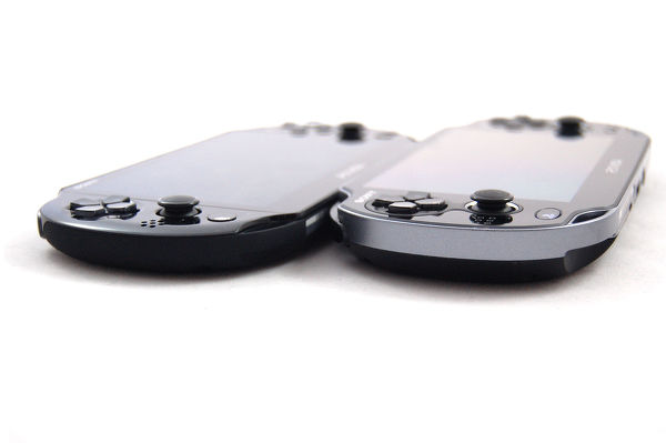 PlayStation Vita Slim es más fina y más ligera que la original.