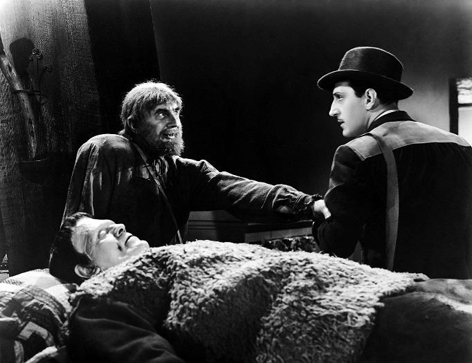 Ygor convenciendo al hijo de Frankenstein para que cure al monstruo