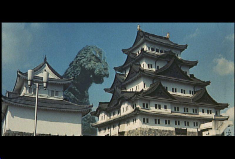 Ahí llega Godzilla, todos a correr