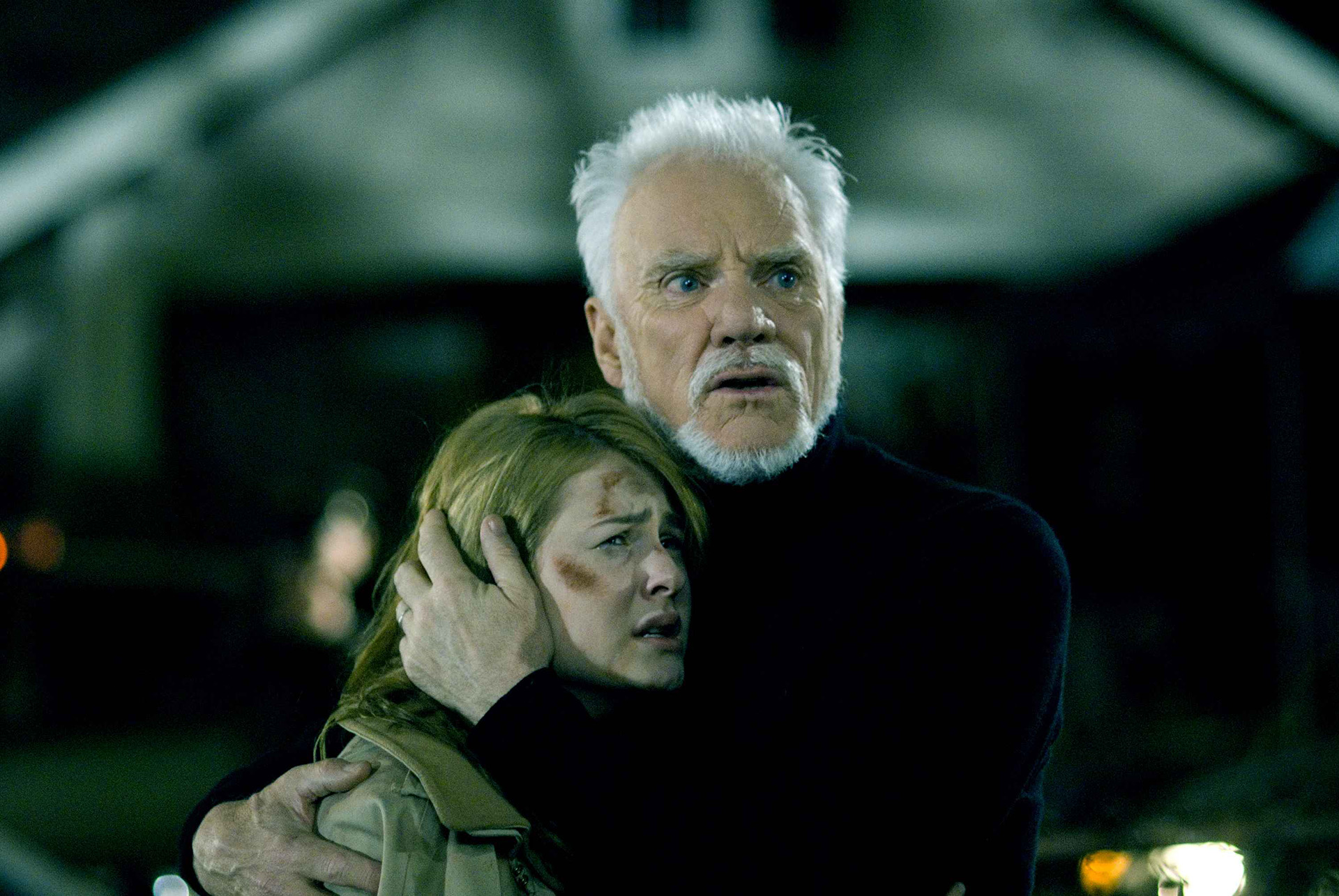 Laurie Strode (Scout Taylor-Compton) y el Dr. Loomis (Malcom McDowell)
