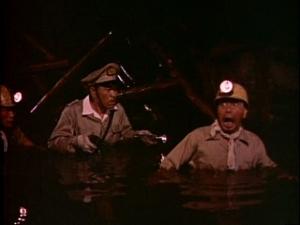 La primera parte de la película transcurre en la mina