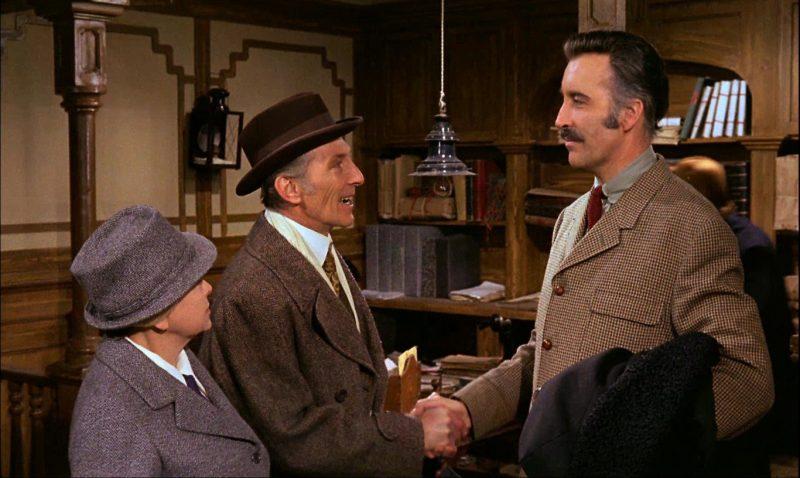 A la izquierda el doctor Wells a la derecha el doctor Alexander